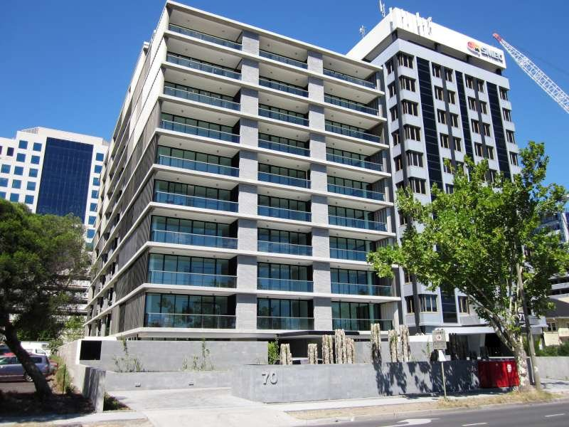 <strong>Monar Apartments 74 Queens Road Melbourne<span><b>view larger</b></span></strong><i>→</i>