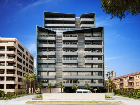 <strong>Proximity Apartments 70 Queens Road Melbourne<span><b>view larger</b></span></strong><i>→</i>